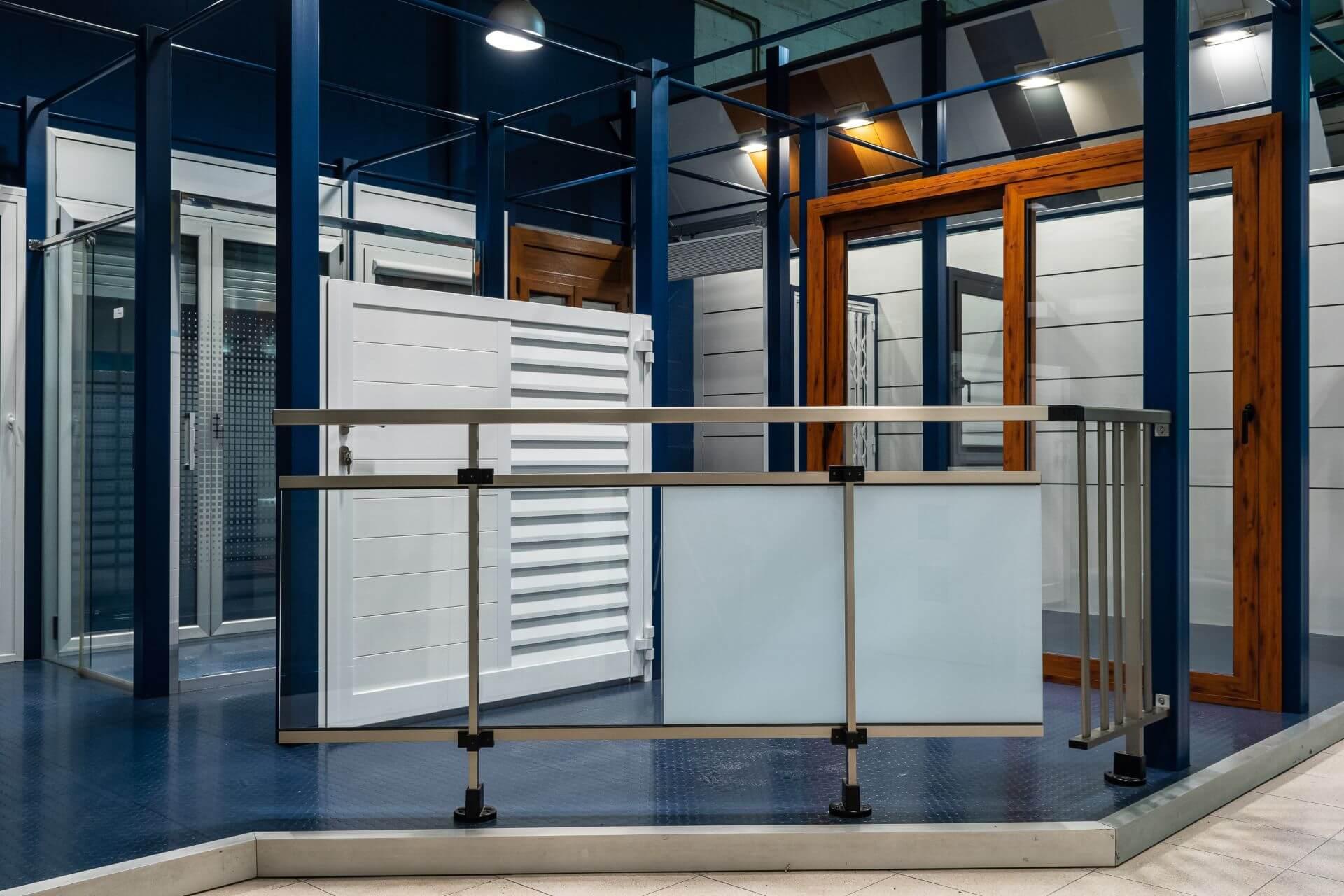 Exposición vidrio y aluminio
